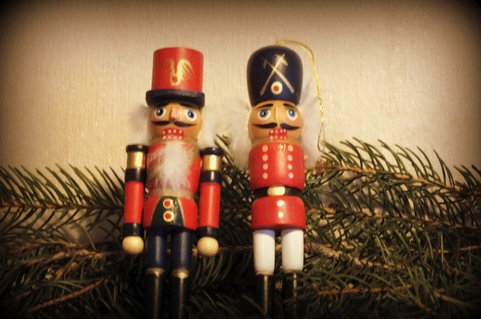 armless nutcracker